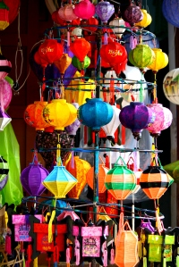 Colorful lanterns that is sold in Hoi An